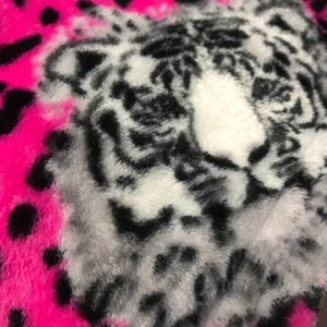 Betsey Johnson Tiger oversized throw NWT